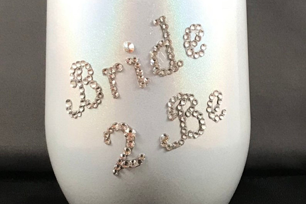 Embellished Butterfly Sells Customized Luggage Tags